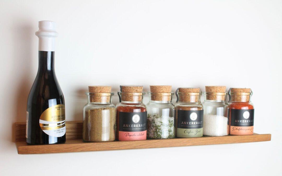Küche organisieren. Mit diesen 5 Tipps hilft dir HolzKaspero Ordnung in deiner Küche zu halten.