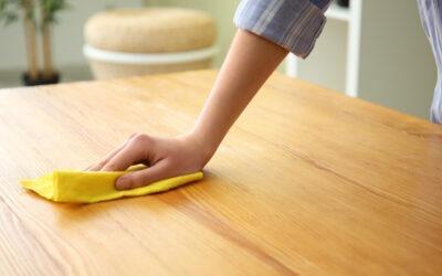Holz Tisch richtig pflegen: 5 Tipps zur Pflege deines HolzKaspero Tisches