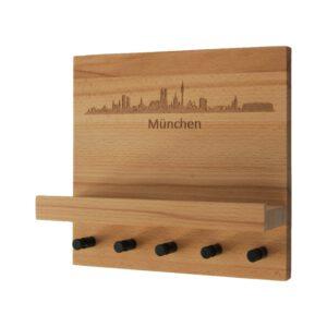 Schlüsselboard mit Gravur der Skyline von München