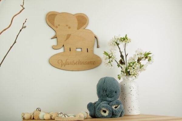 Schild mit Elefant und Wunschnamen